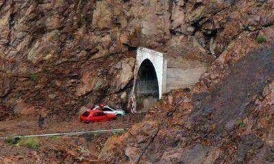 Robaron elementos de los autos que habían quedado varados en la montaña