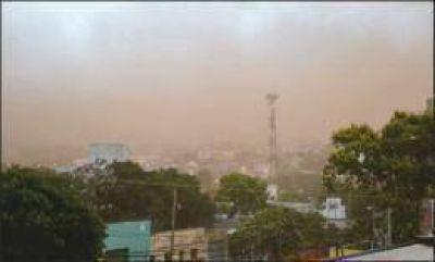 Una fuerte tormenta de viento y tierra azotó Posadas, Garupá y Candelaria