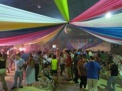 Ritmo, color y alegría en la fiesta inclusiva de carnaval