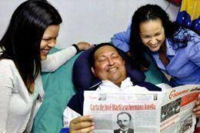 """Chávez """"se recupera poco a poco"""" aunque su situación es difícil"""