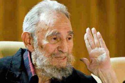 Fidel celebr� la vuelta del presidente venezolano a Caracas