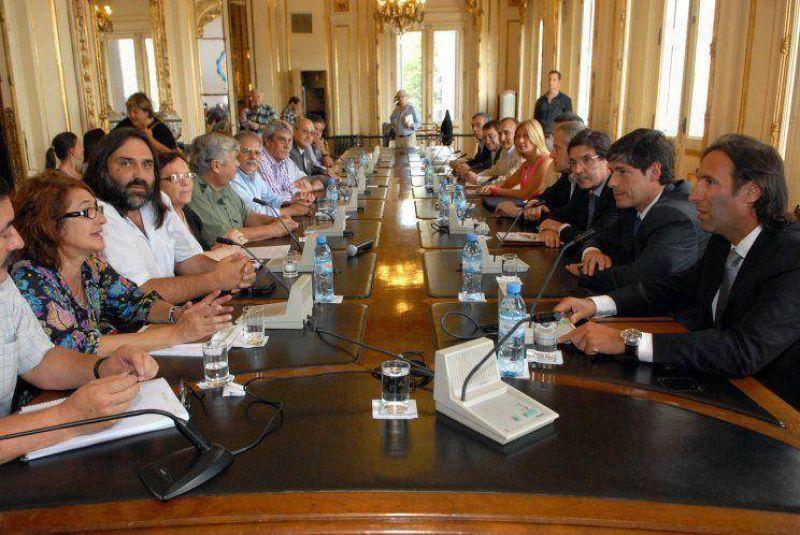 Inicio de clases: negociaciones contrarreloj en las provincias