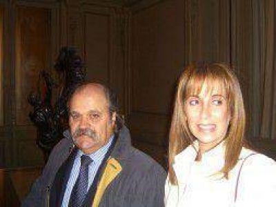 Ezeiza: El Intendente Granados conoció al bebé de Maradona y su esposa será la madrina