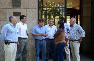 Tras las demandas por el traslado, Pulti se reunió con el Colegio de Arquitectos