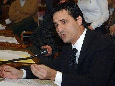 """ABAD: TIENEN QUE ESCUCHAR A LOS COLEGIOS PROFESIONALES"""""""