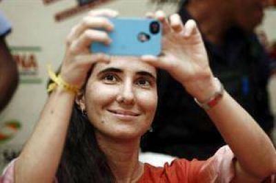 """Yoani Sánchez no viajó al país porque sacar la visa argentina es """"muy complejo"""""""