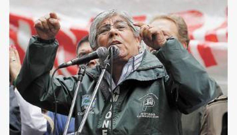 Contragolpe de Moyano: acusó a CFK de traidora y la desafió a meterlo preso