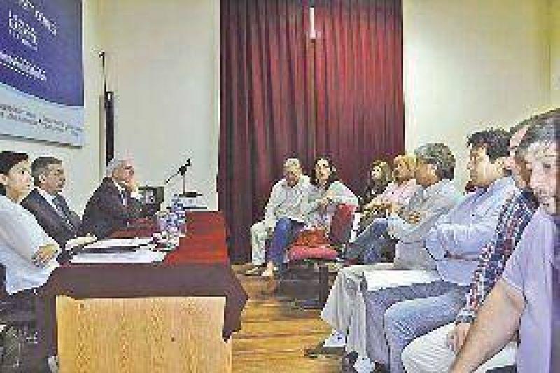 Gremios docentes expusieron puntos de vista en Mesa de Diálogo y habrá respuesta antes del inicio de clases