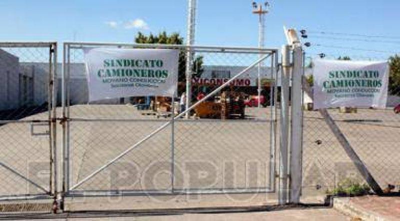 Suspenden por diez días las medidas de bloqueo a los locales de Maxiconsumo