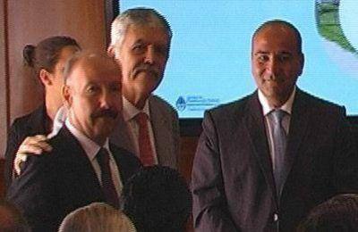 Inza firmó un convenio con Nación para la concreción de obras de agua potable y desagües
