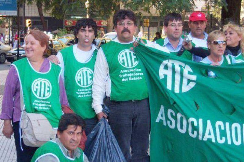 Trabajadores de ATE Chaco realizan paro de 48 horas en la administración Pública