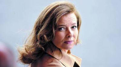Furiosa por unas fotos, la primera dama francesa insultó a su jefe
