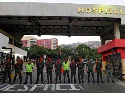 """Hugo Chávez volvió pero ni los presidentes """"amigos"""" logran verlo"""