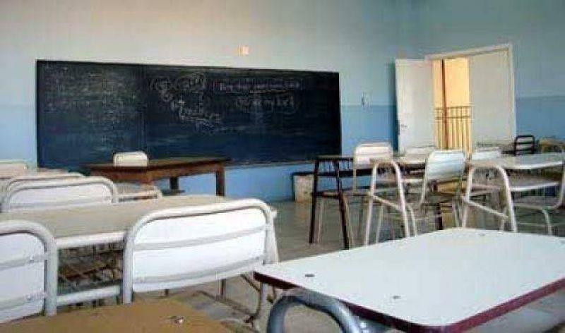Los gremios mayoritarios docentes no inician las clases el lunes