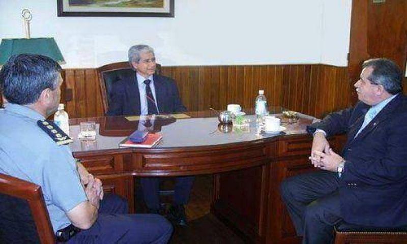 El ministro Julio Costas visito la Cámara del Tabaco
