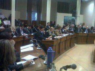 Con el voto de Pierdominicci, se aprobó usar fondos municipales para viviendas del Plan Federal