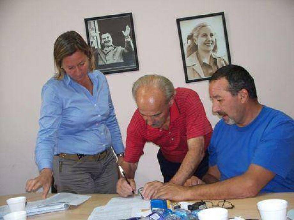 Municipio y SOYEM acordaron un aumento del 25% remunerativo