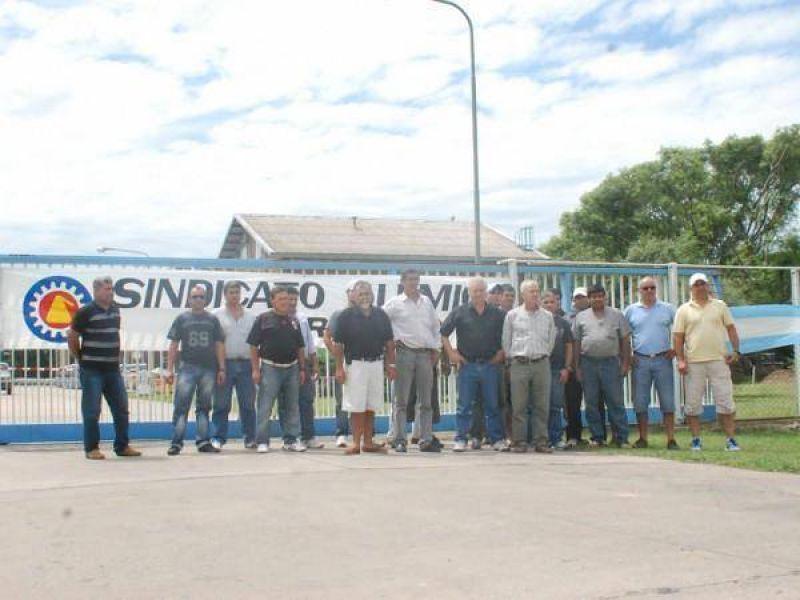 Se manifiestan frente a la empresa TFL para defender puestos de trabajo
