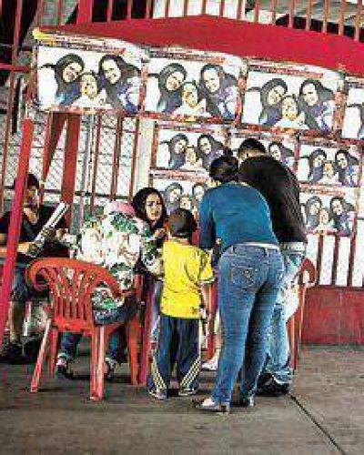 """Chávez imparte órdenes de gobierno"""