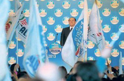 Berlusconi no fue a prisión, amenaza al progresismo y quiere volver