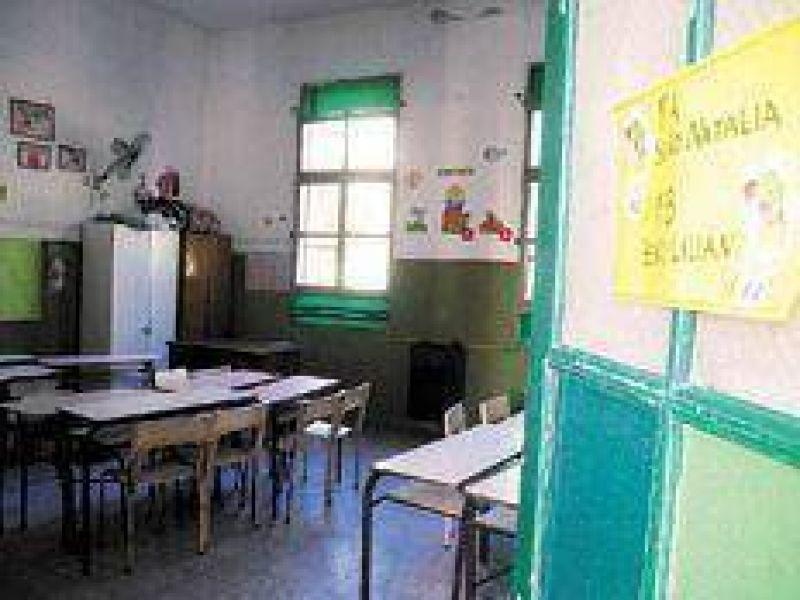 Aulas vacías para empezar las clases
