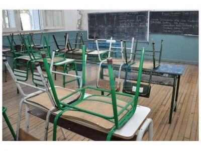 """Según el gobierno, """"gran cantidad"""" de docentes fue a trabajar este lunes"""