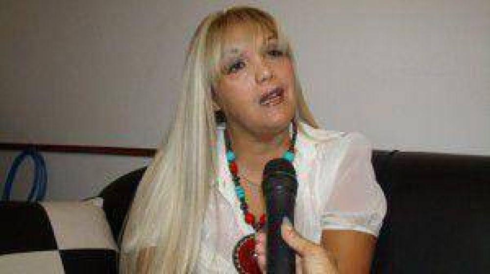 """Estela Escobar: """"Los gremios docentes siempre estamos abiertos al diálogo"""""""