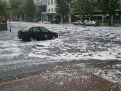 Taxistas sufrieron cuantiosos daños en medio del temporal