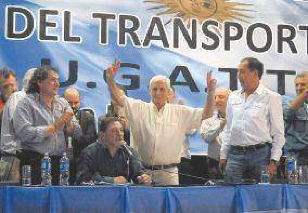 Caló ratificó el respaldo de la CGT al modelo y la defensa del diálogo