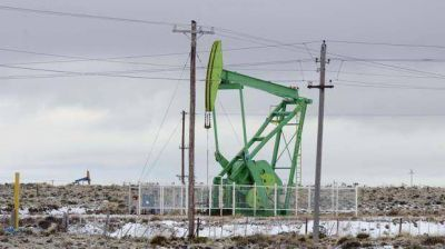 Petroleros pasan a cuarto intermedio y UOCRA eval�a medidas de fuerza