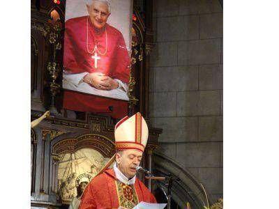 EN MAR DEL PLATA, REZARÁN POR BENEDICTO XVI Y POR EL NUEVO PAPA