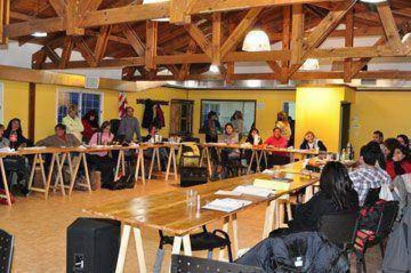 En congreso provincial, ADOSAC resolvió ir al paro por 24 horas