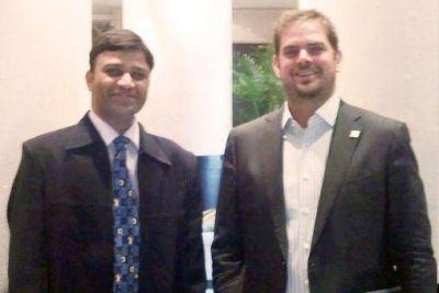 Tomasevich se reuni� con el gerente de la empresa h�drica l�der del mercado asi�tico