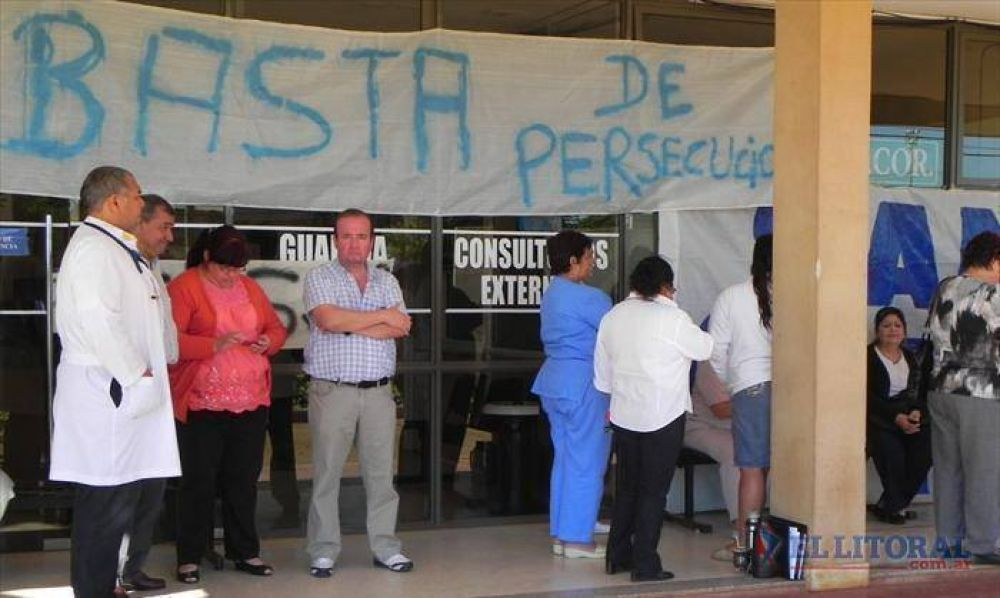 Trabajadores del hospital podrían extender la protesta y pedirán audiencia al Gobernador