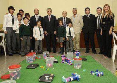 El proyecto Todos a la Rob�tica lleg� a los alumnos de Villa Mercedes