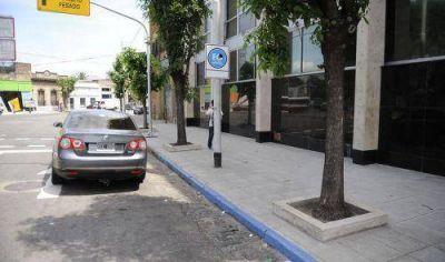 Acusan a Ferraresi de violar Ley de las Municipalidades