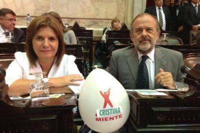 """""""Cristina miente"""", los globos cambiados en el Congreso"""