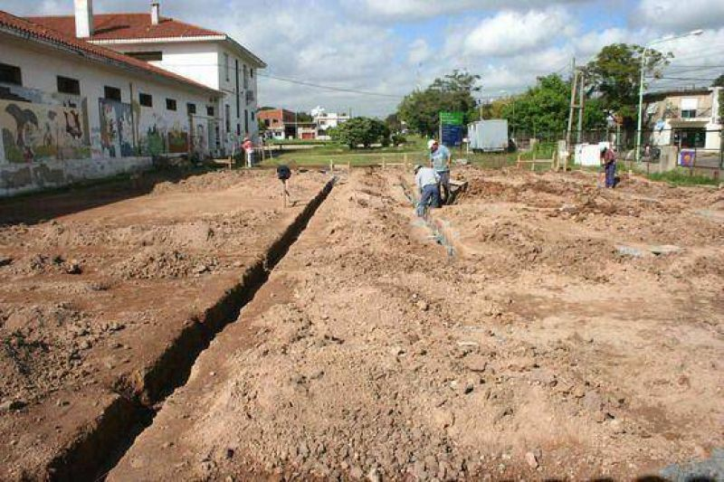 Educación: Comenzaron las obras de ampliacion de la escuela normal