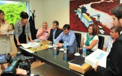 Dos compa��as presentaron ofertas para el dragado y el mantenimiento de los 14 kil�metros del riacho Barranqueras
