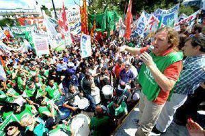 Se agrava el conflicto bonaerense y Scioli espera un gesto de la Nación