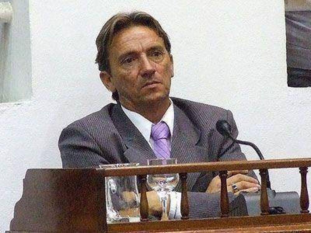 PRESIDENTE PERÓN | ELECCIONES    Espínola criticó la decisión de Regueiro de encabezar la lista de concejales