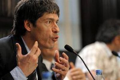 """El Gobierno asegura que """"no asfixia"""" a las provincias"""
