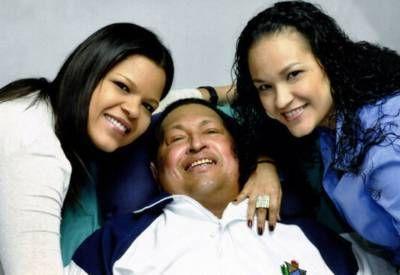 """La hija de Chávez pidió un """"momento de oración"""""""