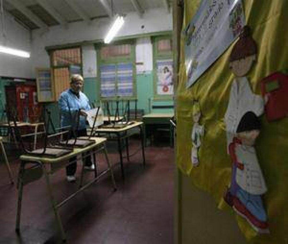 Los docentes rechazaron la suba de 22% que ofreció Scioli