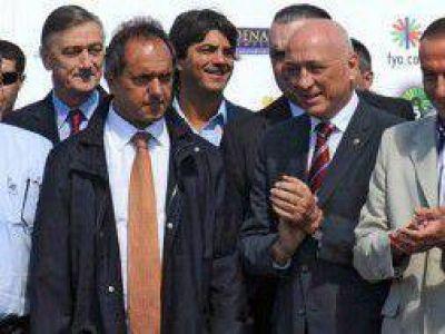 Efecto Expoagro: Desde el sabbatellismo criticaron a Scioli por su foto con Bonfatti, Binner y Buzzi