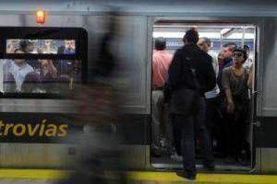 """Debutó con problemas nuevo subte """"A"""": se paró tren y hubo evacuación"""