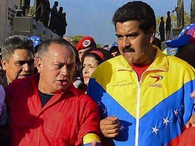 """El socialismo """"hará lo posible"""" para que Chávez sea sepultado con Bolívar"""