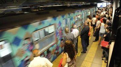 Línea A: en el debut, hubo que evacuar un tren por un problema técnico