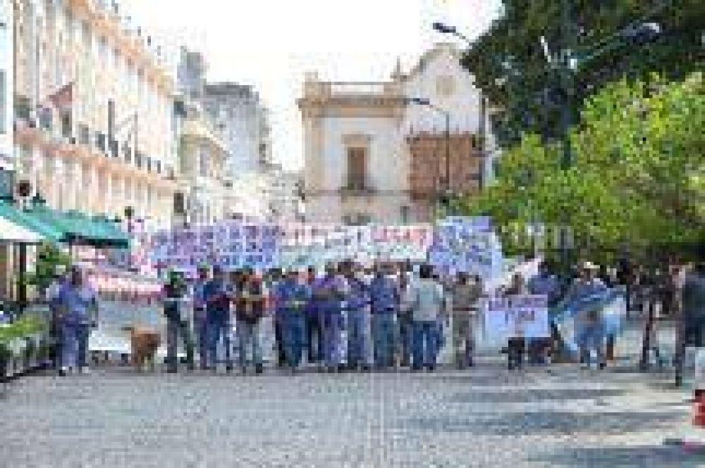 Se resolvió el conflicto de los obreros con Massalin Particulares