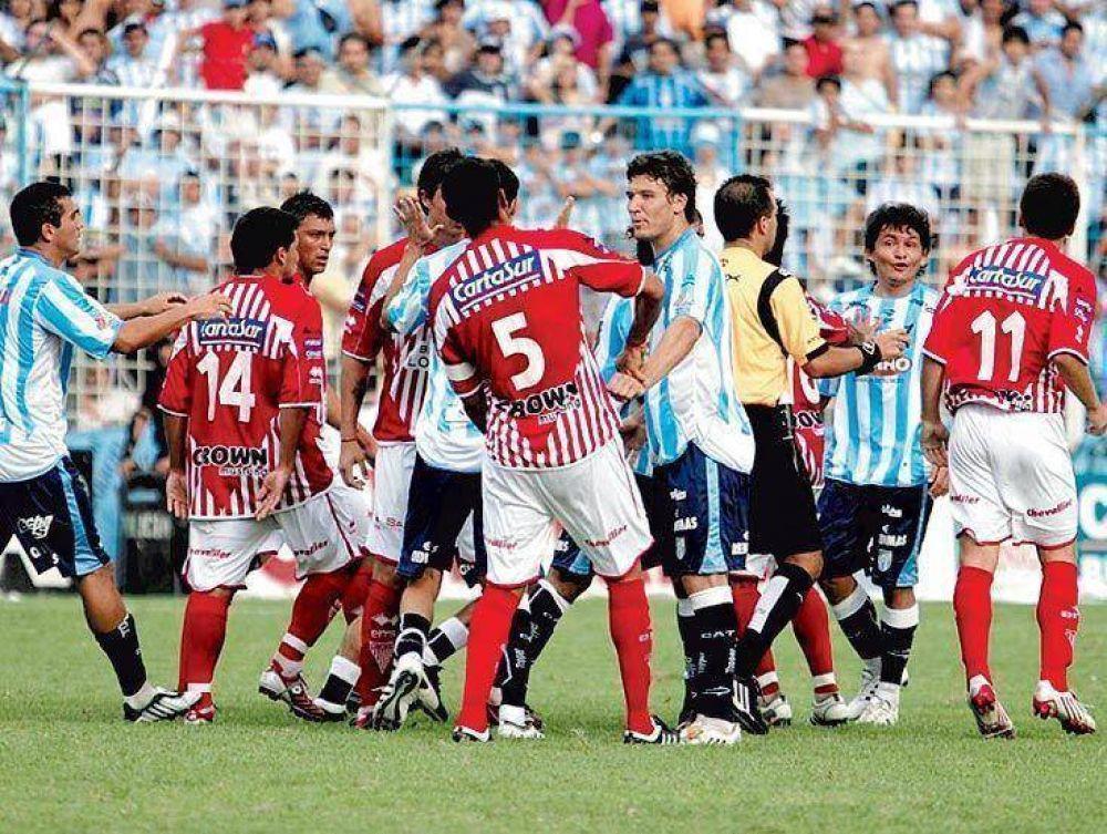 Atlético sumó de a tres y ya está en ascenso directo.